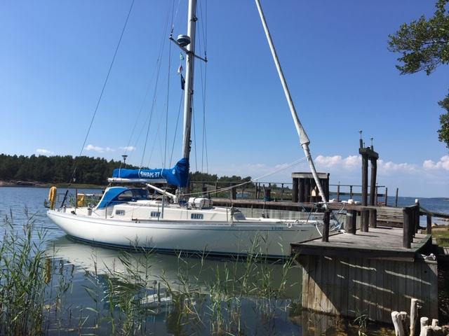 Blue Jay, Swan 37